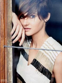 Shailene Woodley makes me want to have short hair. pretty!