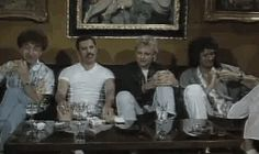 All the Queen's Love — Literally what the fuck. They aren't even supposed. John Deacon, Great Bands, Cool Bands, Bryan May, Queen Ii, Roger Taylor, We Will Rock You, Queen Freddie Mercury, Queen Band