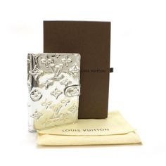 Louis Vuitton Agenda Cover PM Monogram Miroir Other Silver Patent Leather R20963  the only thing that would be better is gold