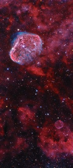 Caught within the telescopic field of view are the Soap Bubble (lower right) and NGC 6888, the Crescent Nebula (upper left). Both were formed at a final phase in the life of a star. NGC 6888 was shaped as its bright, central massive Wolf-Rayet star, WR 136, shed its outer envelope in a strong stellar wind. Burning through fuel at a prodigious rate, WR 136 is near the end of a short life that should finish in a spectacular supernova explosion. (NASA APOD - Agasvar Mount Matra, Hungary)