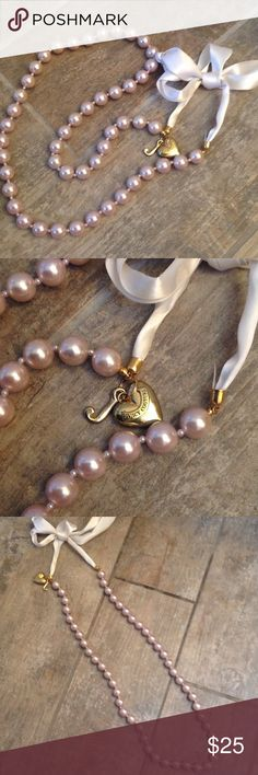 Juicy pink pearl long necklace Large pink pearls with Ribbon tie and juicy details Juicy Couture Jewelry Necklaces