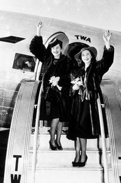 Vivien Leigh and Olivia de Havilland.