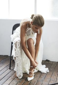Uber cool and effortlessly chic brides are going to fall head over heels for Blanc - the ultra dreamy new collection from Australian design house Grace Loves Lace. Grace Loves Lace, Bridal Musings, Sexy Wedding Dresses, Dream Wedding, Lace Wedding, Luxury Wedding, Wedding Wows, Wedding Bells, Marie
