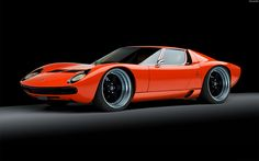 Lamborghini Miura with sculptured wheel arches and big wheels. Looks great!