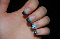 Black_2c_20blue_2c_20green_20glitter_20and_20flower_20nails_20_large