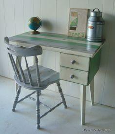 Restyled Vintage: Ship Desk