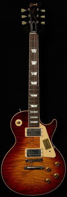 Gibson Custom Shop True Historic 1959 Les Paul Reissue in Vintage Dark Burst Music Guitar, Cool Guitar, Playing Guitar, Guitar Room, Guitar Pics, Guitar Notes, Guitar Art, Les Paul Standard, Gibson Les Paul