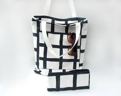 Large tote bag with pockets / Black and white cotton tote bag