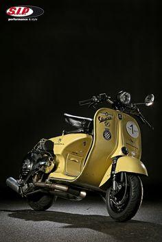 Piaggio Vespa, Scooter Bike, Lambretta Scooter, Vespa Scooters, Scooter Custom, Custom Bikes, Vespa Smallframe, Vintage Bikes, Vintage Vespa