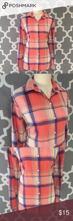 Old Navy Pink Plaid The Classic Shirt : 5:N Old Navy Pink Plaid The Classic Shirt Button Down Light Weight good used condition women's size large   Approximate measurements  ▪️Pit to Pit 23 inches  ▪️Shoulder to Hem 28 inches  Thank you for checking out my closet! Offers are always welcome or bundle for bigger savings. If you have any questions feel free to ask! Old Navy Tops Button Down Shirts