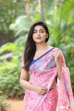 Beauty Full Girl, Beauty Women, Most Beautiful Bollywood Actress, Saree Photoshoot, Indian Girls Images, Exotic Women, Saree Models, Bodysuit Fashion, Beautiful Girl Indian