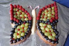 Geburtstagskuchen ohne Zucker - Schmetterlingskuchen Birthday cake without sugar - butterfly by brei Birthday Cakes For Teens, My Birthday Cake, Fruit Birthday, German Baking, Teen Cakes, Food Carving, Fiber Rich Foods, Butterfly Cakes, Fruit Party