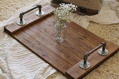 Bandeja Industrial rústico bandeja de madera por DunnRusticDesigns