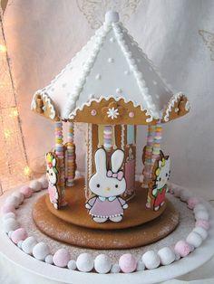 Kawaii Foods - Hello Kitty Gingerbread Carousel House, how sweet is this! Kawaii Cookies, Cute Cookies, Easter Cookies, Cupcake Cookies, Ladybug Cupcakes, Kitty Cupcakes, Snowman Cupcakes, Giant Cupcakes, Christmas Gingerbread House