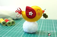 LOTS of adorable felt critters at this site: http://ericacatarina.blogspot.com/search?updated-max=2012-07-14T16:51:00-03:00#