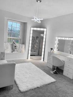 Cute Bedroom Decor, Room Design Bedroom, Bedroom Decor For Teen Girls, Teen Room Decor, Stylish Bedroom, Room Ideas Bedroom, Home Room Design, Beauty Room Decor, Cozy Room