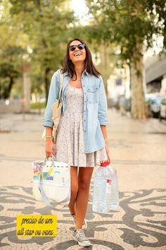 Vestido, camisa jeans e all star: perfeito! Outfits With Converse, Dress With Sneakers, Cool Outfits, Casual Outfits, Fashion Outfits, Womens Fashion, Look Camisa Jeans, Camo Dress, Looks Plus Size