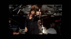 Ann Wilson With Carrie Underwood Performing Hearts 'Alone' (Song starts at about 1:10)