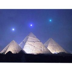 Egyptian pyramids  stars. Its true the lay of the pyramids of Giza are modeled after the stars in Orions Belt - Amazing
