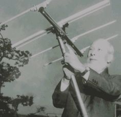 Didn't know the common directional antenna is a Japanese invention: http://en.wikipedia.org/wiki/Yagi-Uda_antenna … Here's Dr Yagi with one.