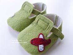 Inspiration - Baby Shoes Patterns (broken link)