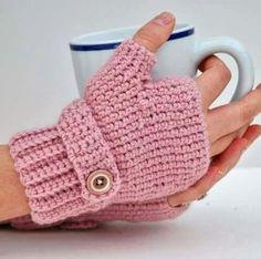 48 marvelous crochet fingerless gloves pattern diy to make Bonnet Crochet, Diy Crochet, Crochet Crafts, Crochet Projects, Crochet Granny, Diy Crafts, Fingerless Gloves Crochet Pattern, Mittens Pattern, Fingerless Mittens