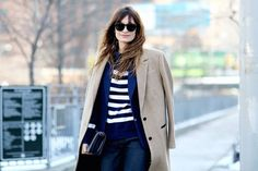 Street Style en New York Fashion Week, febrero 2015 © Jessie Bush New York Street Style, Street Style Trends, Autumn Street Style, Casual Street Style, Street Chic, Casual Chic, Breton Stripes, Outfits Otoño, Shops