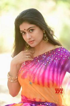 Beautiful Girl Indian, Beautiful Women, Saree Photoshoot, Indian Actresses, Latest Sarees, Indian Beauty Saree, Photo Poses, Telugu, Be Still