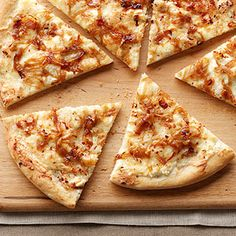 Pizza with caramelized onions and cream cheese.