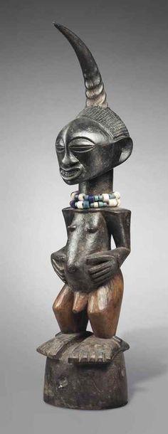 STATUE SONGYE Songye figure République Démocratique du Congo Hauteur: 56 cm. (22 in.)