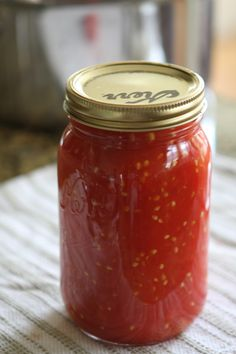 Canned Tomatoes in Crushed Tomato Juice (this is the one! Canning Tips, Home Canning, Canning Recipes, Jam Recipes, Preserving Tomatoes, Canning Tomatoes, Preserving Food, Tomato Canning, Garden Tomatoes