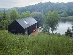 Chalet Modern, Modern Barn House, Face Home, Haus Am See, Rustic Cottage, Black House, House Design, House Styles, Wood Wood