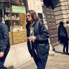 Piccadilly Street! #streetstyle #piccadillystreet #piccadillystreetstyle…