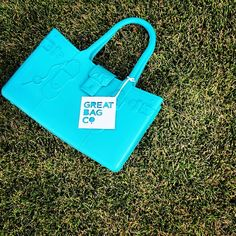 From rain to snow, to sunny days at the park, Fashion-Flex adjusts to any lifestyle. #modelm #greatbag -- www.greatbag.co #GreatBagCo #Aquamarine #Blue