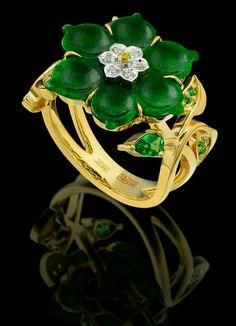 Jadeite, tsavorite, and diamond flower ring Jade Jewelry, I Love Jewelry, Jewelry Rings, Jewelry Accessories, Jewelry Design, Silver Jewelry, Antique Jewelry, Vintage Jewelry, Diamond Flower