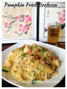 Pumpkin rice vermicelli - a famous Taiwanese noodle dish. #kenneth_goh #guaishushu #pumpkin_bee_hoon #金瓜米粉 #南瓜米粉