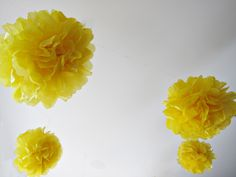 diy pompoms out of tissue paper