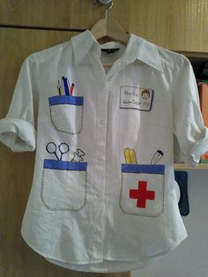 DIY doctor's lab coat for prek dramatic play Dramatic Play Area, Dramatic Play Centers, Preschool Dramatic Play, Flynn Rider Costume, Sick Toddler, Doctor Coat, Homemade Halloween Decorations, Kids Dress Up, Last Minute Halloween Costumes