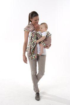 Porte-bébé écharpe anneau Babymoov - position - position sur la hanche