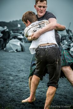 https://flic.kr/p/vUZXXg | Iceland v  Brittany Wrestling | Scottish Backhold Wrestling at Bridge of Allan Games 2015