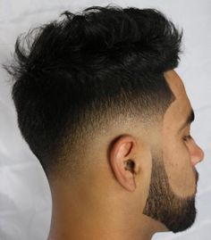 20 Stylish Low Fade Haircuts for Men - hair peinados Hair And Beard Styles, Curly Hair Styles, Drop Fade Haircut, Low Fade Mens Haircut, Fade Cut, Haircuts For Men, Cut And Color, Hair Type, Hair Cuts