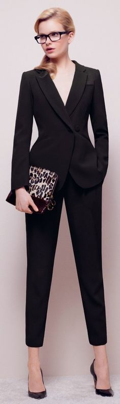 Women's fashion | Chic corporate outfit