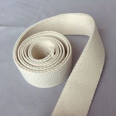 Cotton webbing / Heavy duty / Raw greige natural / width, 1 / Bag handles, bag strap for tote bag / upholstery webbing Macrame Cord, Market Bag, Velvet Ribbon, Textile Design, Things To Come, Sewing, Trending Outfits, Unique Jewelry, Handmade Gifts