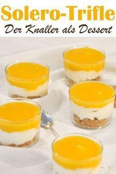 Das beste Dessert ever! Nach dem Kuchenknaller jetzt das ganze als Trifle: unten eine Keksschicht, dann eine leckere Vanillecreme und oben ein fantastisches Maracuja-Topping. Einfach lecker! Perfekt für Gäste.
