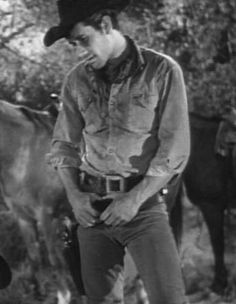 And he's so sassy Laramie Tv Series, Robert Fuller Actor, James Drury, The Rifleman, Actor Picture, John Smith, Sexy Men, Hot Men, Western Movies