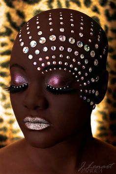 Strass make up ideas! Make Up Art, How To Make, Fantasy Make Up, My Black Is Beautiful, Beautiful Eyes, Black Women Art, Creative Makeup, Costume Makeup, Face Art