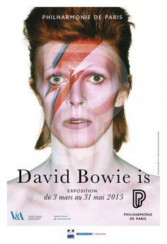 """Exposition """"David Bowie Is"""" à la Philarmonie, Paris, mars 2015. Série de photographies de David Bowie pour """"Aladdin Sane"""" par Brian Duffy (1973)."""