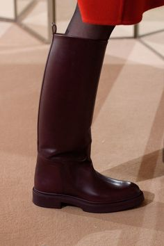 The complete Hermès Pre-Fall 2019 fashion show now on Vogue Runway. On Shoes, Me Too Shoes, Shoe Boots, Black Jelly Shoes, Hermes Boots, Doc Martens Boots, Vogue, Long Boots, Duck Boots