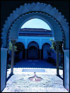 El Patio de los Naranjos,palacio Nazarí  de la maravillosa alcazaba de Málaga