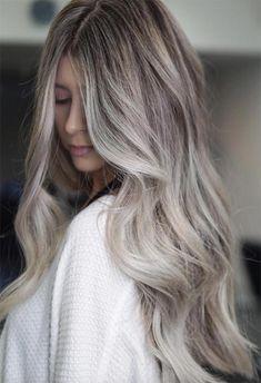 Ash Blonde Hair Balayage, Beige Blonde Hair Color, Cool Ash Blonde, Beige Hair, Silver Blonde Hair, Dyed Blonde Hair, Blonde Hair Looks, Hair Color Shades, Platinum Blonde